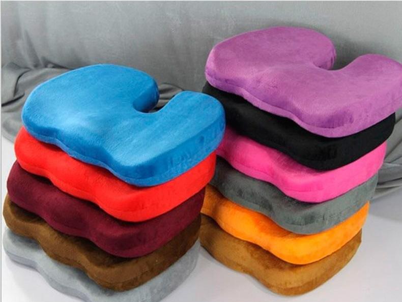 Различные варианты декоративного оформления ортопедических подушек