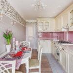 Узкая кухня прованс в светлых оттенках