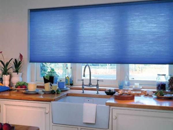 Синие рулонные шторы