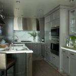 Дизайн компактной кухни в серых тонах