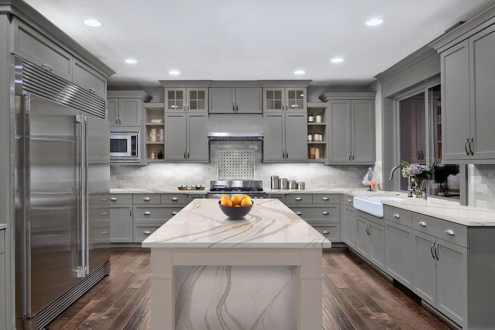 лазарев кухня в сером цвете дизайн фото первую