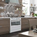 Классическая кухня в оттенках серого цвета
