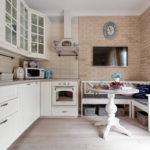 Угловая кухня прованс с обеденной зоной
