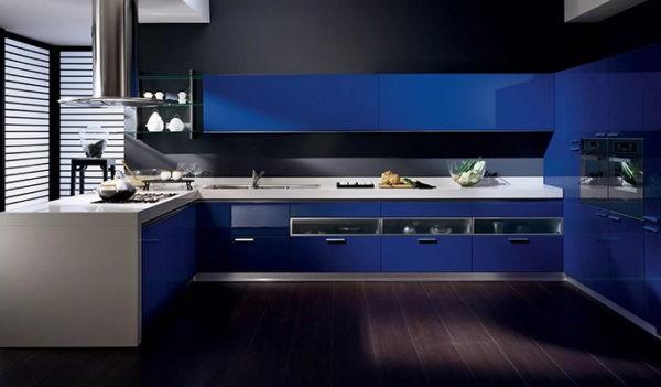 Стильная сине-черная кухня