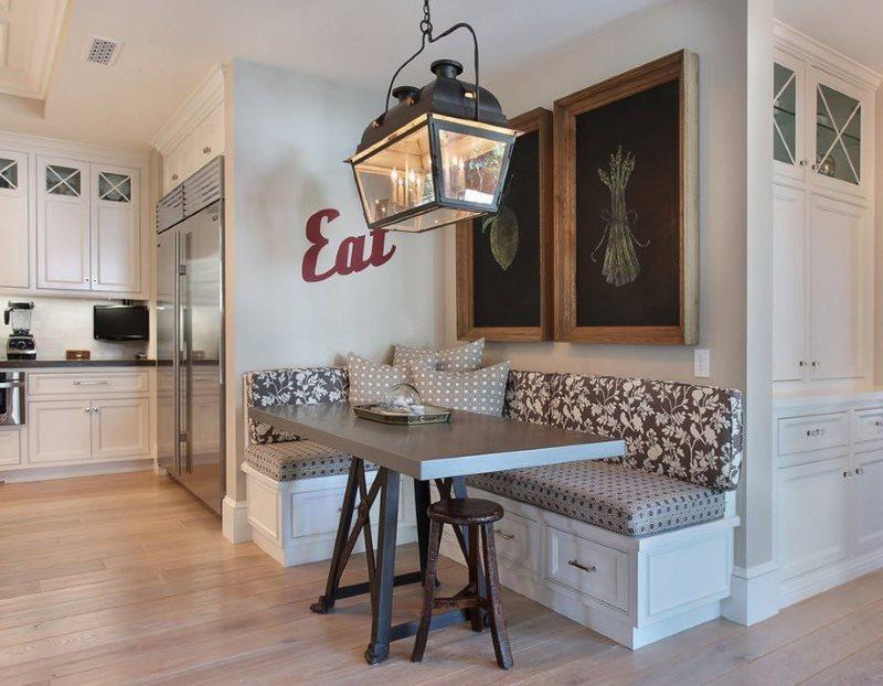 Угловой кухонный гарнитур с выдвижными ящиками
