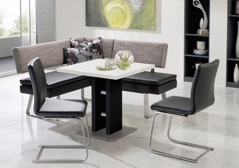 Кухонный уголок с двумя стульями в современном стиле