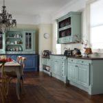 Бирюзовые фасады кухонного гарнитура
