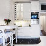 Яркая подсветка рабочей поверхности в кухне