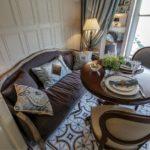 Обеденная зона с удобным диваном