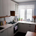 маленькая кухня в хрущевке панельного дома