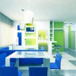 Яркая сине-зеленая кухня