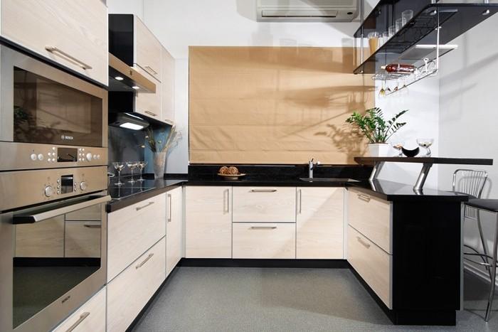 П-образная кухня.