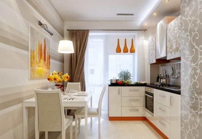 Кухня с балконом.