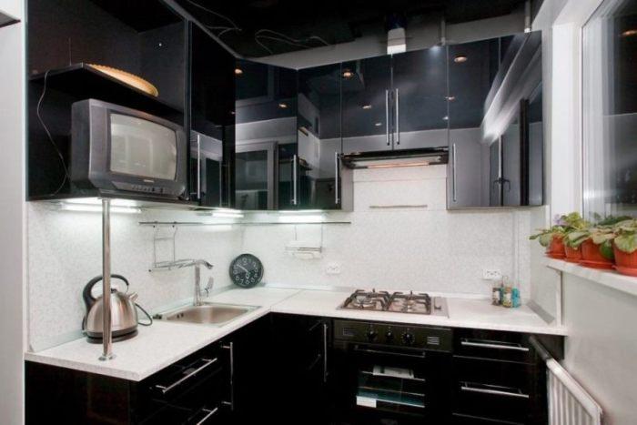 Черная кухня хрущевка.