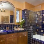 Стеклянная перегородка в интерьере ванной