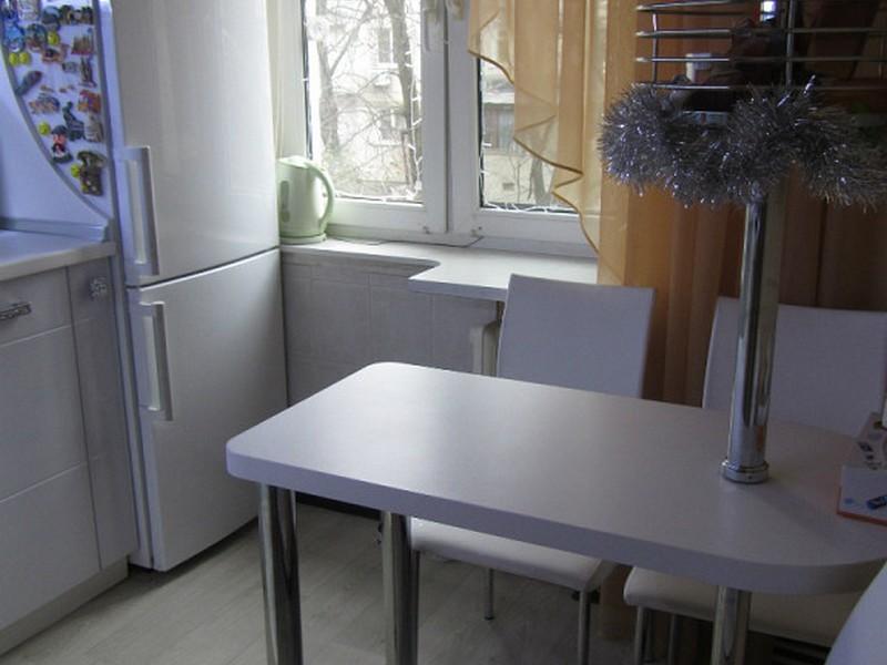Барная стойка вместо стола в интерьере кухни