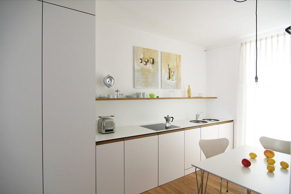 Линейная кухня в стиле минимализма с открытой полкой