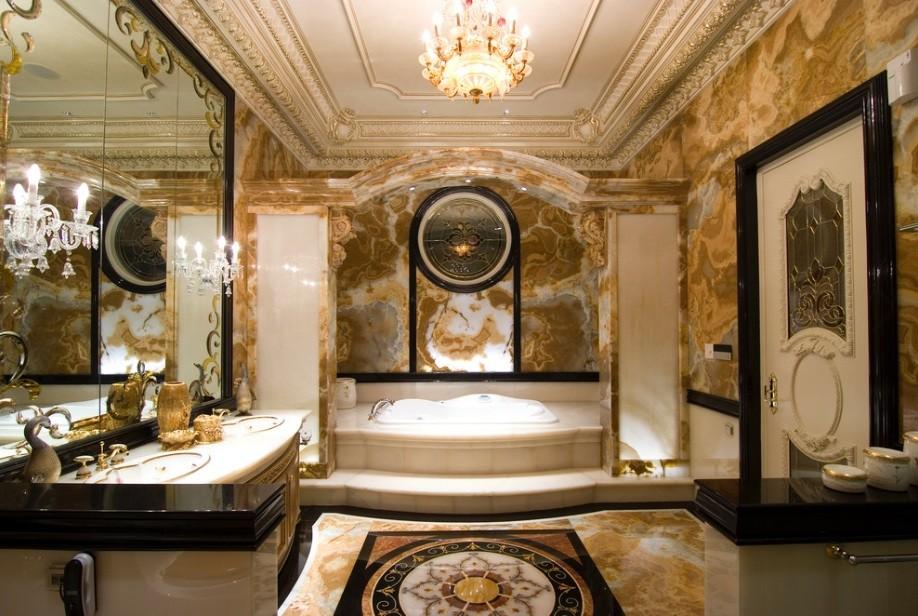 Отделка цветным мрамором стен классической ванной