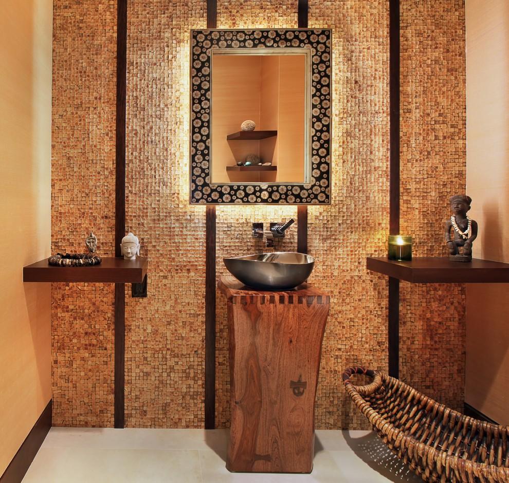 Деревянная мебель в интерьере египетской ванной