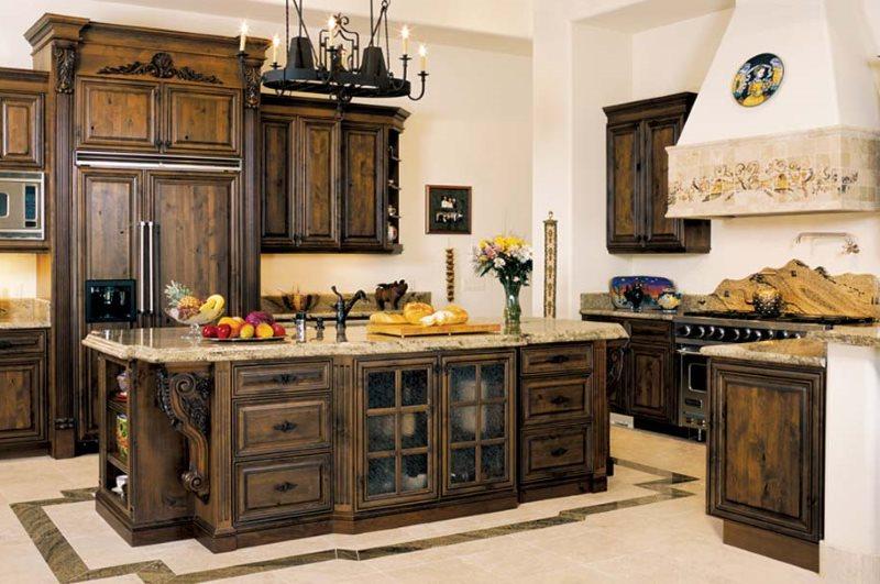 Темная мебель из дуба в интерьере кухни с островом