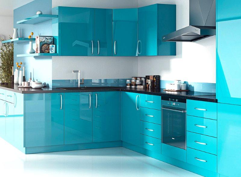 Кухонный гарнитур с эмалированными фасадами