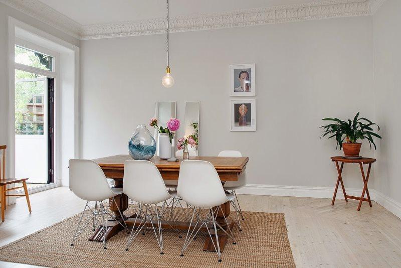 Современные кухонные стулья с пластиковыми сидениями