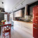 Узкая кухня линейной планировки