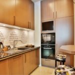 Дизайн компактной кухни в городской квартире