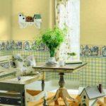 Деревянный столик в кухне-гостиной