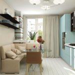 Интерьер кухни с полосатыми обоями