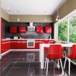 Красная мебель на кухне с панорамным окном
