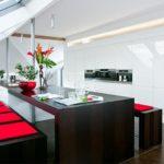Дизайн кухни с глянцевой мебелью