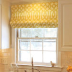 Римская штора из светлой ткани