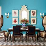 Оригинальные стулья-кресла в большой кухне