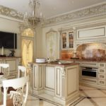 Кухонный остров в классической кухне