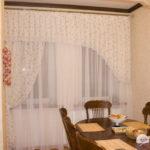 Бамбуковые салфетки на обеденном столе