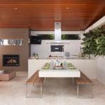 Проект летней кухни с камином и зоной для отдыха
