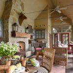Вентиляторы на потолке летней кухни
