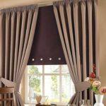 рулонная штора в паре с обычными занавесками