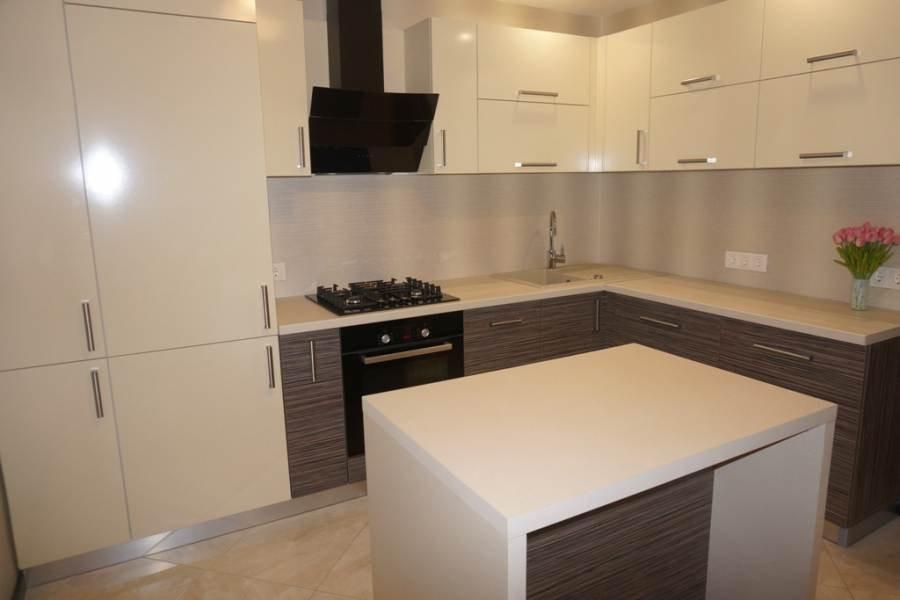реальные дизайны угловых глянцевых кухонь фото данной непростой