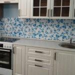 Однорядная планировка в маленькой кухне