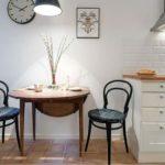 Деревянная мебель в кухне деревенского стиля