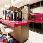 Розовая столешница барной стойки