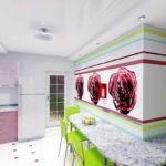 Большие розы на стене кухни