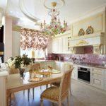 Позолота на кухонной мебели в стиле классики