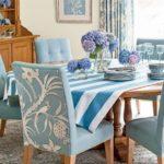 Бирюзовый текстиль в интерьере кухни