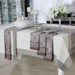 Декорирование обеденного стола с помощью текстиля