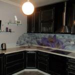 Черный гарнитур для небольшой кухни
