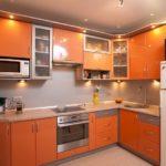 Угловой гарнитур оранжевого цвета