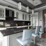 Барная стойка на кухне в стиле неоклассики